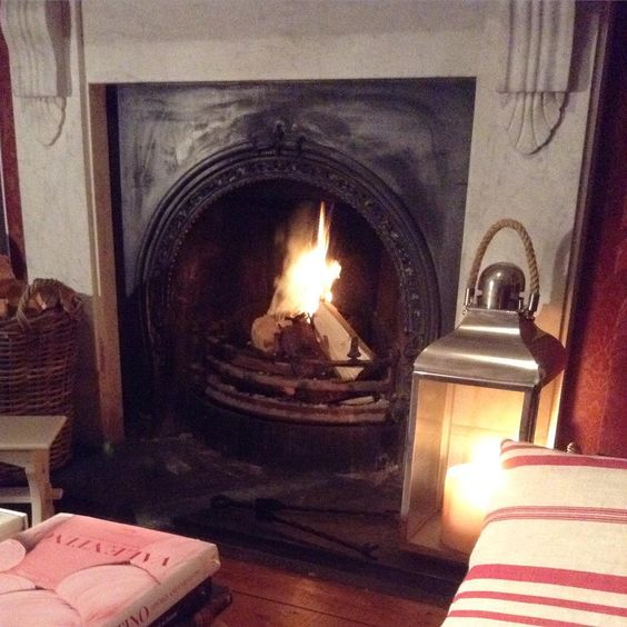 """It's blowing an absolute gale outside - definitely a night for candles and a roaring log fire! Have a safe and cosy evening wherever you are tonight!xxx…"""