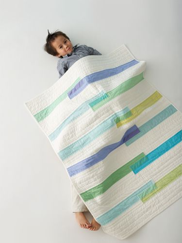 little things to sew (oliver + s book) - travel quilt with modern overlapping bars: