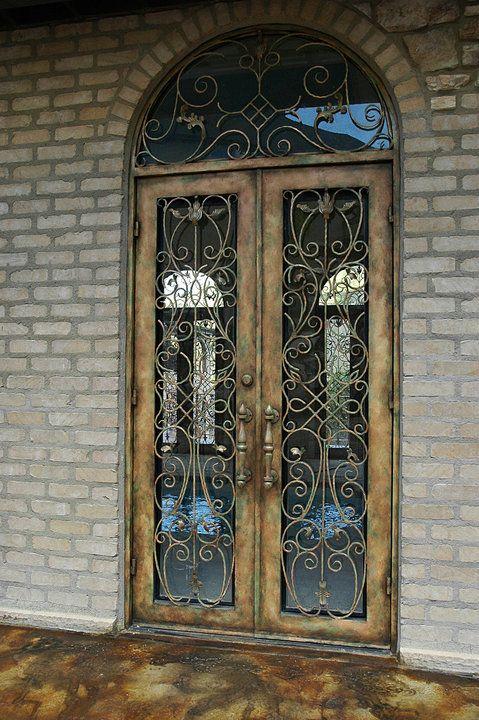 da Vinci Details- Iron Doors.