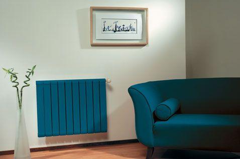 peinture radiateur couleur bleu pétrole Julien assortie avec couleur canapé