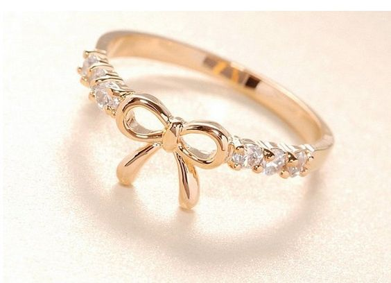 <3 bow ring