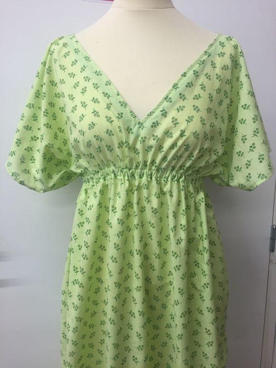 Tuto robe facile 200x80 cm de tissu un lastique tutoriels et patrons couture pinterest - Tuto jupe facile elastique ...