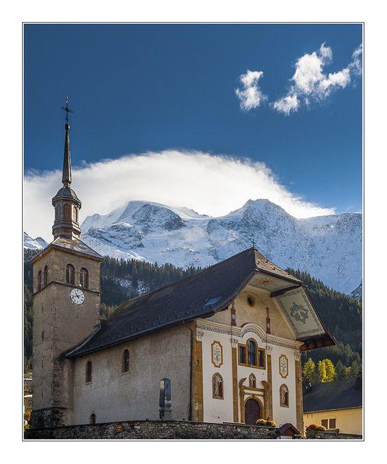 Les Contamines-Montjoie. L'église. A découvrir avec les Guides du Patrimoine des Pays de Savoie http://www.gpps.fr/Guides-du-Patrimoine-des-Pays-de-Savoie/Pages/Site/Visites-en-Savoie-Mont-Blanc/Faucigny/Pays-du-Mont-Blanc/Les-Contamines-Montjoie