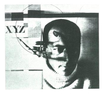 El Lissitzky, self-portrait, The Constuctor, 1924  A essência da fotografia New Vision é claramente expressa nesse quadro, vulgarmente conhecido como o construtor , o que coloca o ato de ver no centro do palco. A mão de Lissitzky, segurando uma bússola, é sobreposta a um tiro da cabeça que destaca explicitamente seu olho: visão, expressa, é passado através do olho e transmitido para o lado, e através dele para as ferramentas de produção.