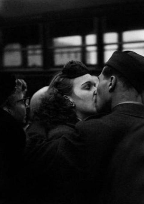 Camp Kilmer Kiss Harold Feinstein 1952