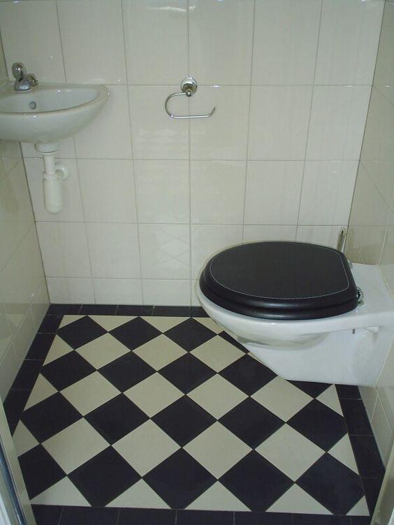 Toilet zwart wit tegelvloer s de roos tegelwerk pinterest toilets - Deco wc zwart ...