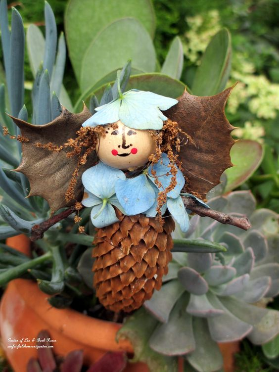 Make your own garden fairies with natural materials from your yard! (Garden of Len & Barb Rosen) Click on the picture to go to the directions.: Fairies Crafts, Fairy Garden Ideas, Garden Fairies, Gardening Ideas, Fairy House, Fairy Gardens, Crafts Gardening, Diy Projects, Gardens Plants