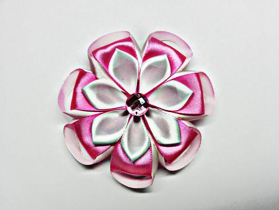 Милый цветочек канзаши