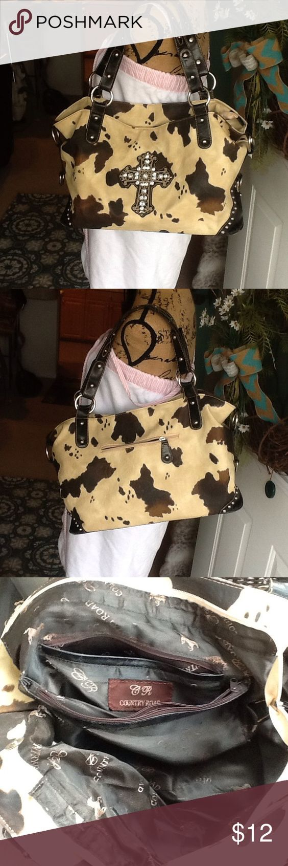 """Boutique bag For the western girl, very cute bag,measures 14 by10, very roomy, straps measure11"""" great condition inside and out country road Bags Shoulder Bags"""
