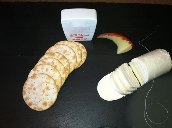 Use (unscented) dental floss to cut soft cheeses and cakes.