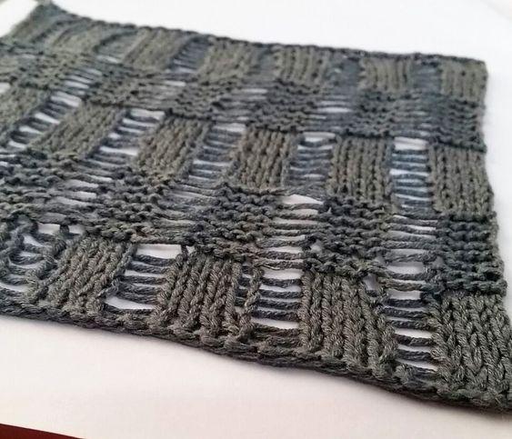 Campione del Punto a maglie cadute realizzato con Linea Pura Flora di Lana Grossa, misto cotone e soia. Ferri 2.75