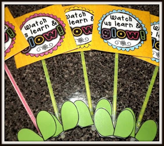 Teach Junkie: 31 creative back to school treats for students {printables} - Watch us learn and grow glowstick flower treat