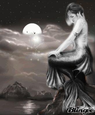 Sirène en noir et blanc
