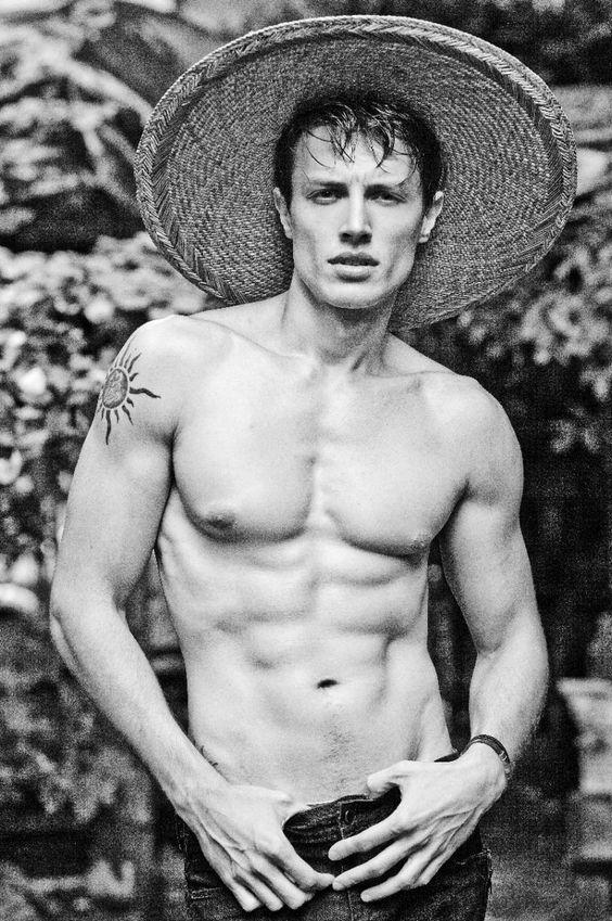 Ricardo Nelson Shoots Next Model Fabio Nunes