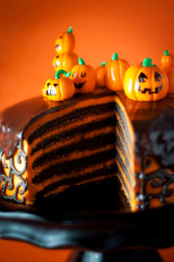 Halloween Cake...could still do whipped frosting with food coloring to avoid the heaviness of buttercream.