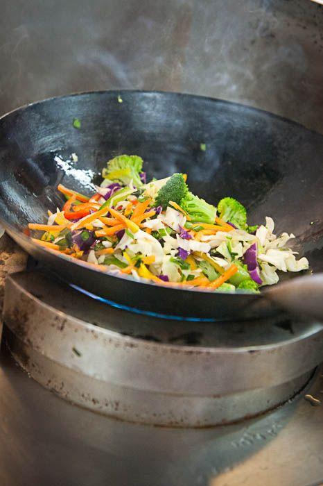Comida tailandesa da wok direto para a caixinha? Gostamos! (Woking Thai in Box, Porto Alegre, RS, Brasil)