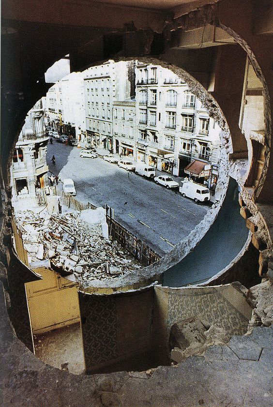 GORDON MATTA-CLARK, CONICAL INTERSECT 1975: incision through two adjacent 17th-century buildings.: