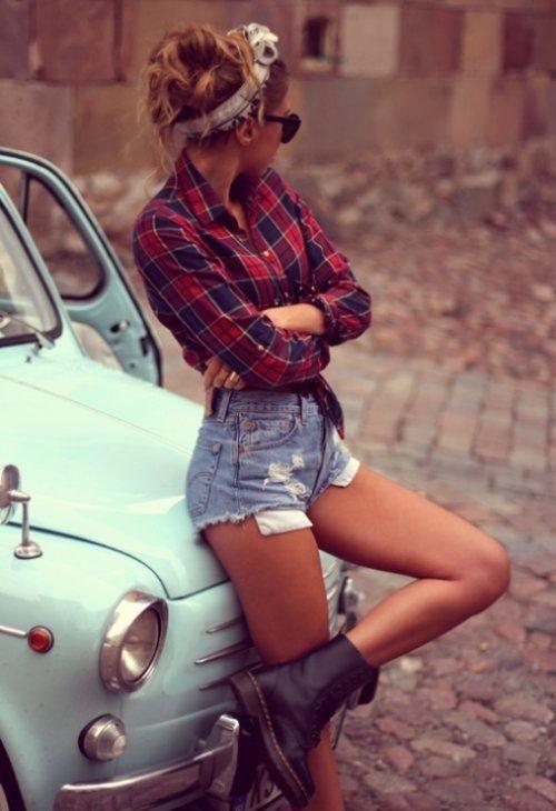 Chemise à carreaux rouge & short en jeans haut