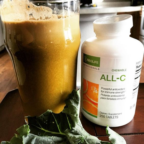 Getting prepped for the Bald Eagle Ontario Nutritional conference. (Plus feeling a little under the weather) So hubby made some #freshveggiejuice #realvitaminc #neolifestyle #NeoLife #vitaminC #basedinnature #backedbyscience #nongmo