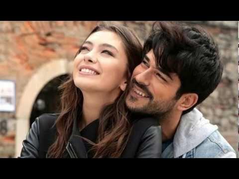 Kara Sevda Amor Eterno Capitulo 1 Completo En Español Youtube Movie Couples Blind Love Romance Movies