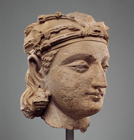 Monumental bodhisattva head [Pakistan] (1977.191) | Heilbrunn Timeline of Art History | The Metropolitan Museum of Art