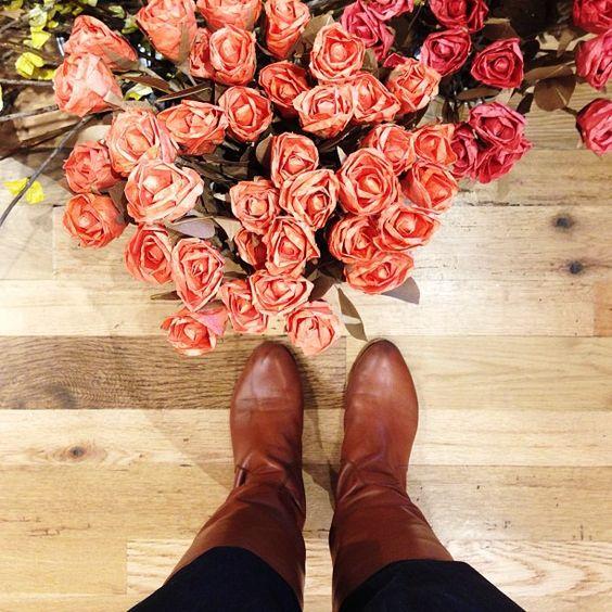 Paper Flowers / @Jenn L on instagram