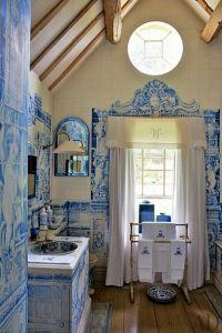 Casa com azulejaria portuguesa