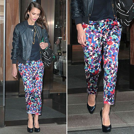 Jessica Alba Gives Us the Cool-Girl Spin on Printed Trousers