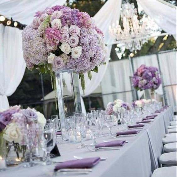 d co des tables du mariage blanc lilas lavande qui peuvent tre agr ment es de lanternes. Black Bedroom Furniture Sets. Home Design Ideas