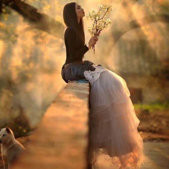 Muchos tocarán nuestro corazón, algunos lo romperán. Otros se irán sin dejar rastro. Pocos son los que irán más allá, llegando a nuestra alma. Serán éstos los que se queden allí, más allá de todo tiempo y toda lógica...