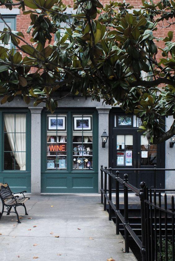 Savannah-shops above River Street