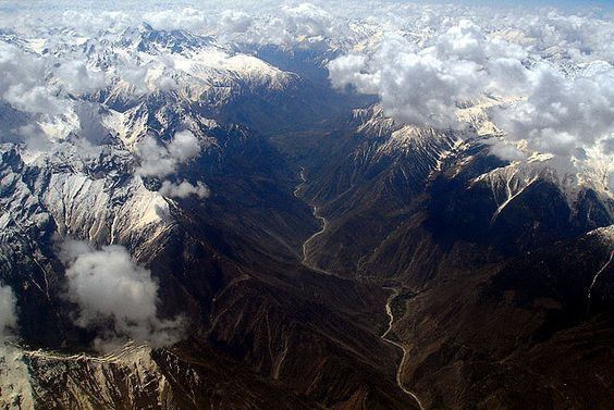 Aerial view of the Indus River (Tibet/Pakistan)