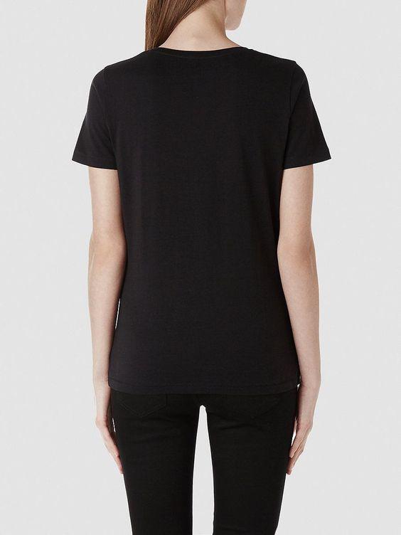 Selected Femme - Regular fit - 100 % Pima-Baumwolle - Rundausschnitt - Naht-Detail am Ärmel und am Saum - Weiches Gefühl T-Shirts in hoher Qualität kannst du nie zu viele haben. Dieses T-Shirt aus Pima-Baumwolle ist sehr weich und haltbar. Pima-Baumwolle gilt als eine der Baumwollmischungen mit der weltweit höchsten Qualität. Durch die langen Fasern erhält man einen haltbaren, dichten und weic...