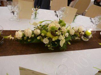 Bouquet de calla blanc avec rose rouge recherche google - Bouquet de table pour mariage ...