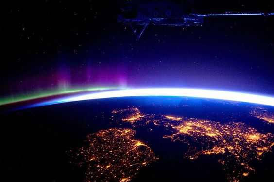 Powerful Photos From Space That Give You A New Perspective On Our Planet | memolition
