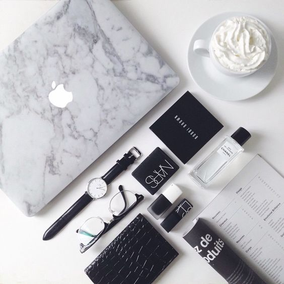 ✖️UNIQFIND✖️ How perfect is my Macbook looking? Completly in love with this marble sti...   Use Instagram online! Websta is the Best Instagram Web Viewer!