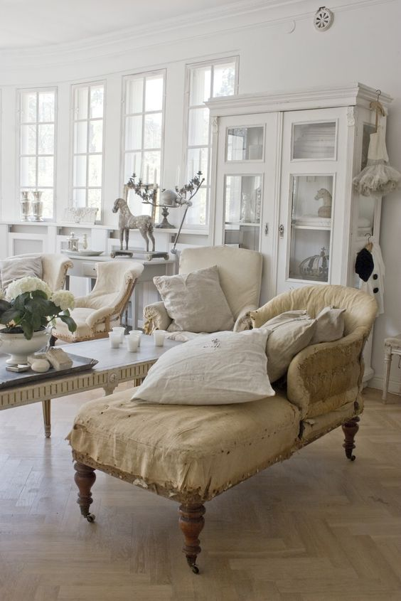 Trending Interior European Style Ideas