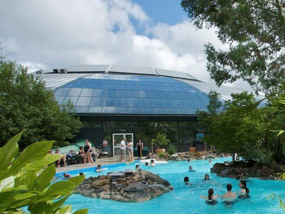 Outdoor pool at the subtropical swimming paradise by Center parcs elveden forest swimming pool