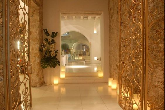 Tcherassi Hotel & Spa Cartagena, Columbia Glitzy 7 room, city centre boutique hotel.  Pretty garden views, lofty ceilings, four pools, spa, exposed stone walled restaurant and lounge.
