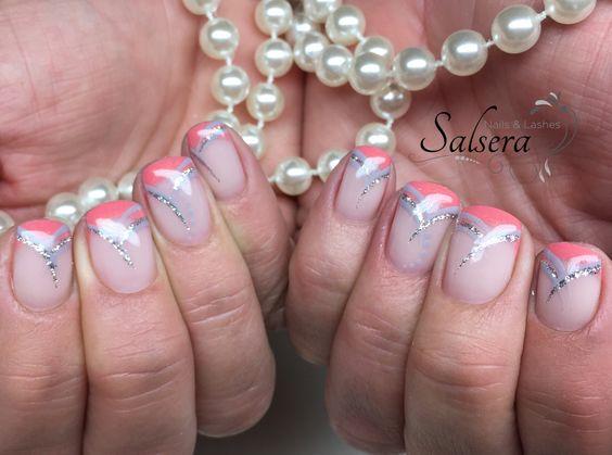 Nails, Nägel, coral, graue stripes, Glitter, Nageldesign, Salsera Nails & Lashes, Leyla Falkenmayer, Frankfurt am Main