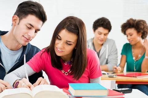 PRISA es una gran compañía dedicada a la información, la educación y el entretenimiento, presente en 22 países. Si eres estudiante y estás interesado en los programas de prácticas y quieres hacerles llegar tu curriculum, puedes dirigirte a su canal de empleo para poder aplicar a las ofertas de empleo: http://www.prisa.com/es/pagina/prisajobs/