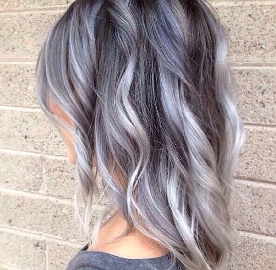 23 Looks That Prove Balayage Hair Is for You. Gris