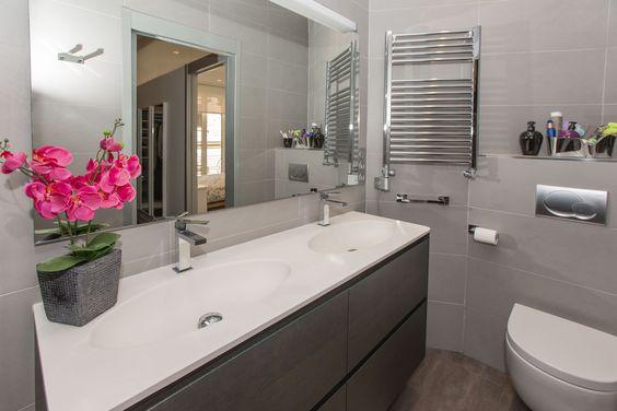 Con 2 baños: 3,5 y 4 m2. Piso Venta, Centro - Donostia. Inmobiliaria Araxes - 943 211 022 - 696 497 566. Ref: D32300 www.araxes.es social@araxes.es