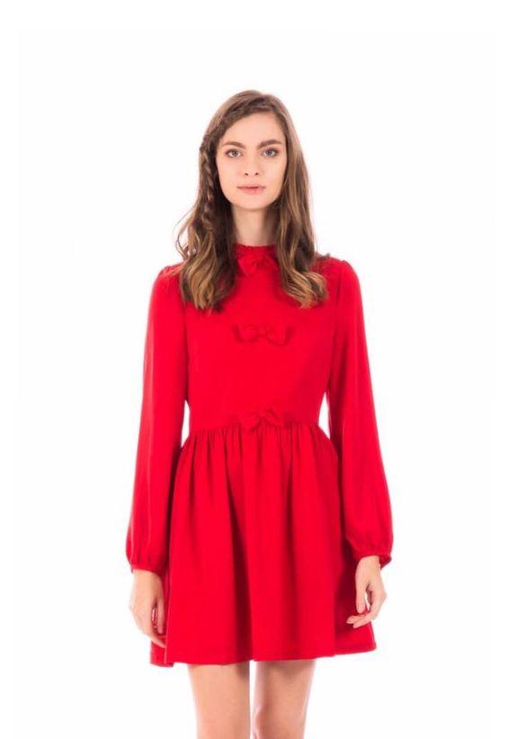 Vestido rojo manga larga, lazos delante y cremallera detrás
