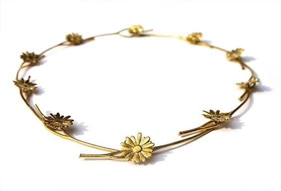 Daisy Necklace by OOOMS