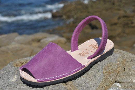 Avarcas USA - Women's Spanish sandals, aka menorquinas or abarcas, 100% handmade in Spain by Avarca Pons, a unique design featuring top quality natural leather and recycled tires