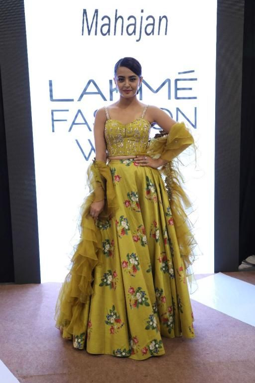 Lakme Fashion Week Ruffles Fashion Indian Outfits Lakme Fashion Week