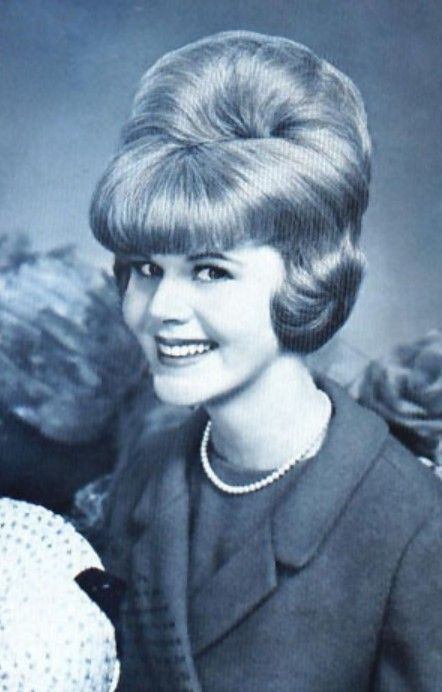 60s bouffant hairstyle