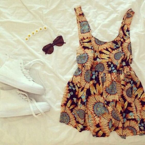 I wish someone would buy me sunflowers... And this outfit