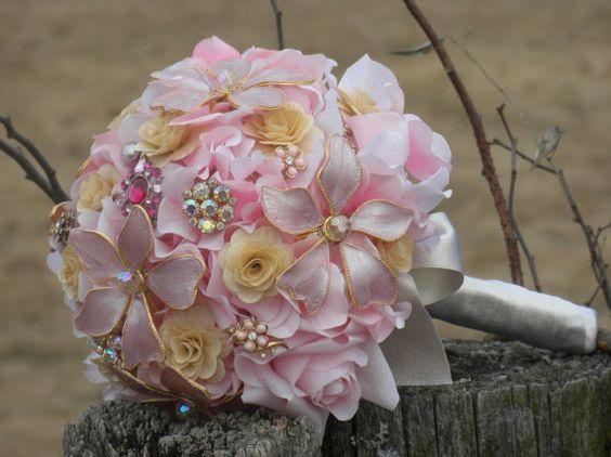 brooch bouquets: Pink Wedding, Brooch Bouquets, Brooch Boquet, Wedding Ideas, Wedding Bouquets, Wedding Party Ideas, Bouquets Long, Beautiful Bouquets